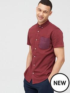 v-by-very-short-sleeve-stretch-pocket-print-shirtnbsp-nbspburgundy