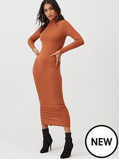 boohoo-boohoo-jumbo-rib-roll-neck-midi-dress-caramel