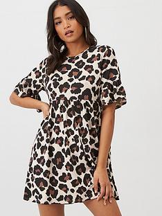 boohoo-boohoo-leopard-print-smock-dress-tan