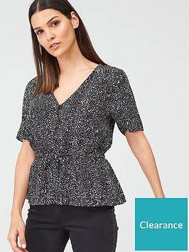 warehouse-random-drop-print-top-mono