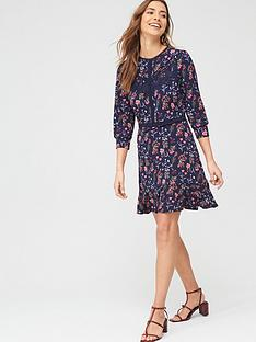 oasis-trailing-floral-lace-trim-skater-dress-blue