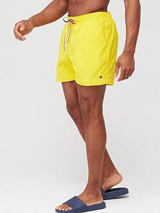 tommy-hilfiger-swimshort-yellow