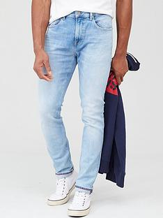 tommy-jeans-austin-slim-tapered-jean-court-light-blue