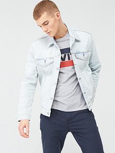 levis-the-denim-trucker-jacket-light-wash