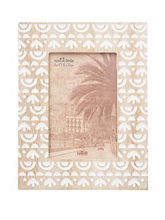 sass-belle-ibiza-modern-frame