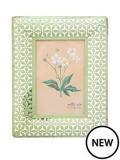 sass-belle-metal-floral-frame