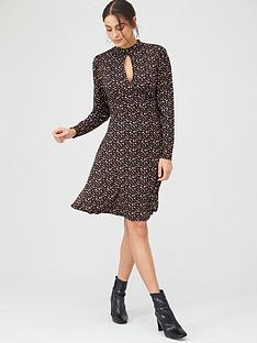 v-by-very-keyhole-front-long-sleeve-midi-dress-black-ditsy