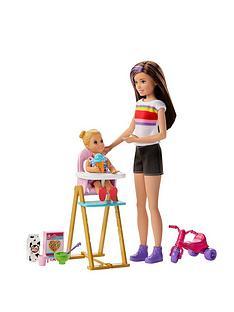 barbie-babysitter-skipper-feeding-time