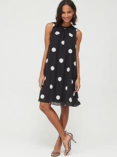 wallis-spot-ruffle-neck-swing-dress-black