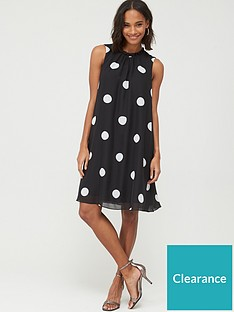 wallis-spot-ruffle-neck-swing-dress-black