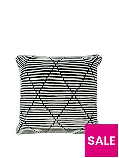 cascade-home-brick-diamond-cushion