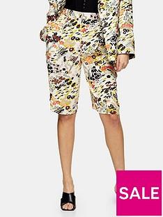topshop-idol-oriental-printed-shorts-multi
