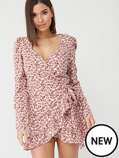 in-the-style-in-the-style-x-billie-faiers-floral-print-puff-sleeve-frill-wrap-dress-pink