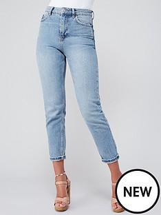 michelle-keegan-minimal-high-waist-mom-jean-light-wash