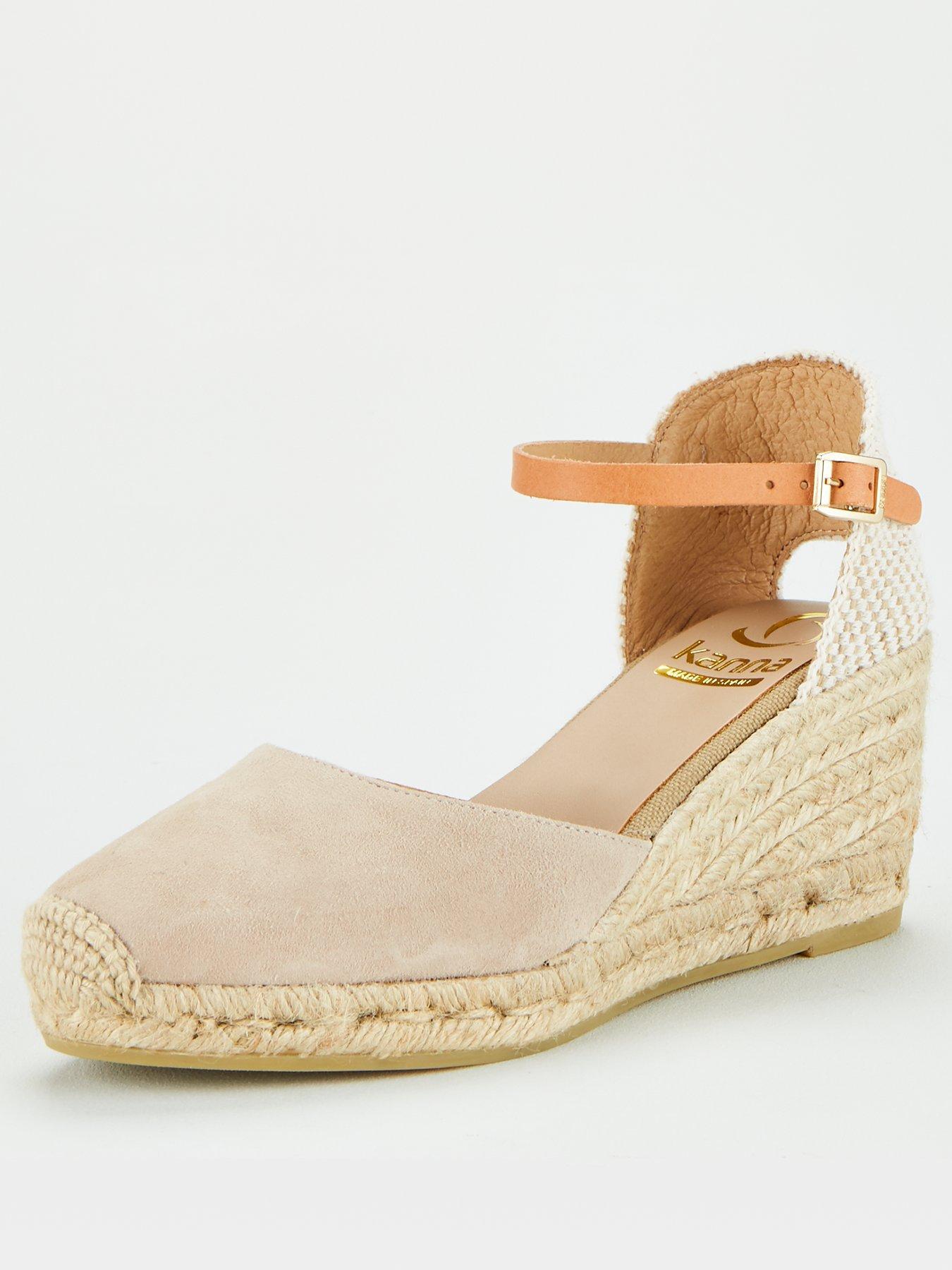 DESIRE-71-52 WOMEN EMBROIDERED VELVET SLIP ON FOREVER FOOTWEAR TAUPE