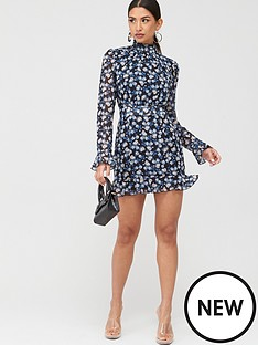 in-the-style-in-the-style-floral-long-sleeve-mini-dress-blue