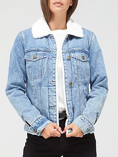 v-by-very-faux-fur-lined-denim-jacket-mid-wash