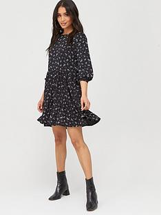boohoo-boohoo-ditsy-print-tiered-smock-dress-black