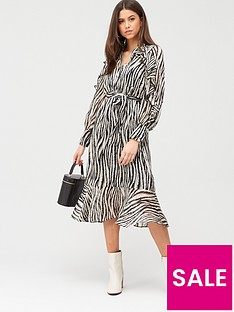 river-island-ruffle-shirt-midi-dress-mono-print