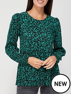 v-by-very-long-sleeve-plisse-crew-neck-top-green-floral