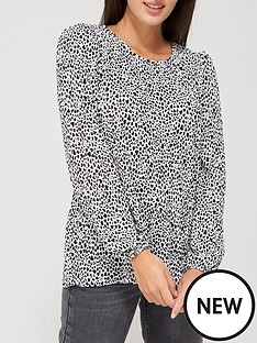 v-by-very-long-sleeve-plisse-crew-neck-top-polka-dot