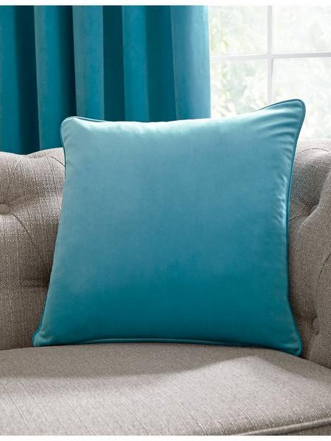 laurence-llewelyn-bowen-montrose-velvet-piped-cushion
