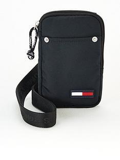 tommy-jeans-tjm-campus-boy-hanging-wallet-black