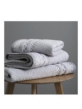 catherine-lansfield-malawa-geo-band-bath-sheet