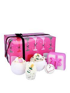 bomb-cosmetics-bomb-cosmetics-prosecco-party-bath-bomb-giftset