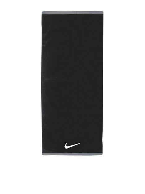 nike-fundamental-towel-large