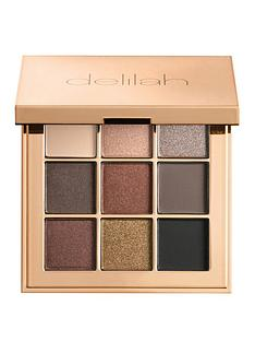 delilah-eyeshadow-palette