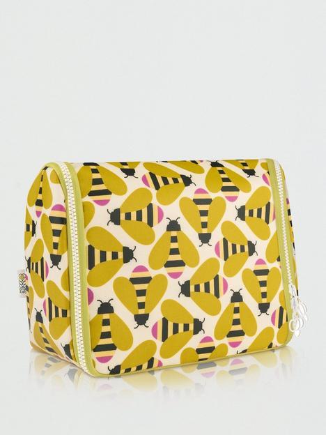 orla-kiely-busy-bee-hanging-wash-bag