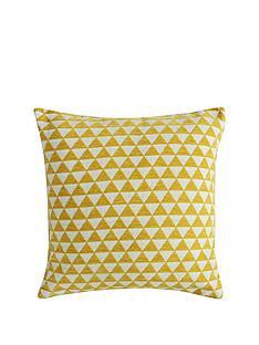 gallery-jacquard-triangles-cushion