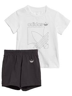 adidas-originals-badge-shorts-andnbsptee-set-whiteblack
