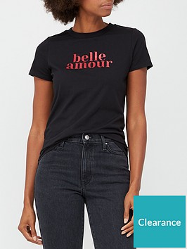 v-by-very-the-front-print-solgan-t-shirt-belle-amour-black