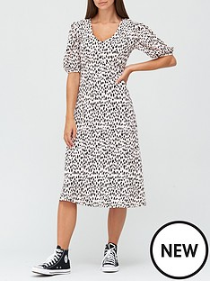 v-by-very-curve-seam-floaty-midi-dress-spot-print