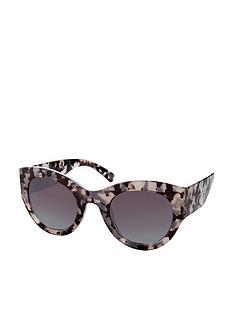 accessorize-hamburg-wide-arm-sunglasses-grey