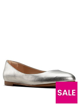 clarks-grace-piper-metallic-ballerina