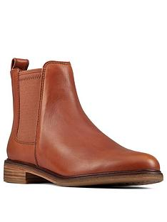 clarks-clarkdale-arlo-chelsea-ankle-boot-tan-leather