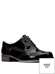 clarks-hamble-oak-wide-fit-brogue-black-patent