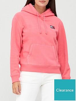 tommy-jeans-badge-polar-fleece-hoodie-pink
