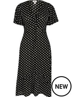 river-island-petite-jersey-spot-button-through-midi-dress-black