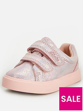 clarks-city-oasis-lo-toddler-strap-trainer-pink-metallic