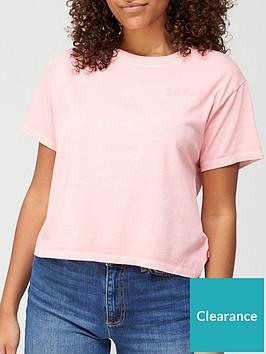 levis-graphic-varsity-t-shirt-pink