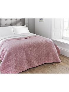 the-lyndon-co-merville-quilted-throw