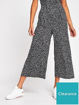 river-island-crinkle-jersey-culottes-spot-print