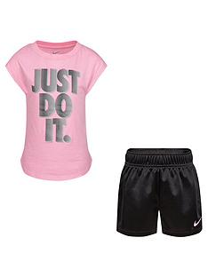 nike-younger-girls-2-piecenbspgraphic-t-shirt-and-shorts-set-black