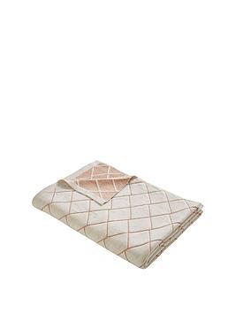 tess-daly-diamond-knit-throw