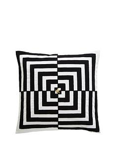 tess-daly-op-art-cushion