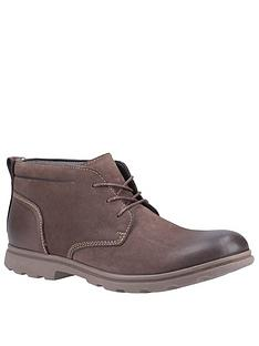 hush-puppies-tyson-leather-chukka-boots